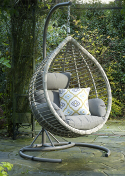 Cocoons & Swing Chairs
